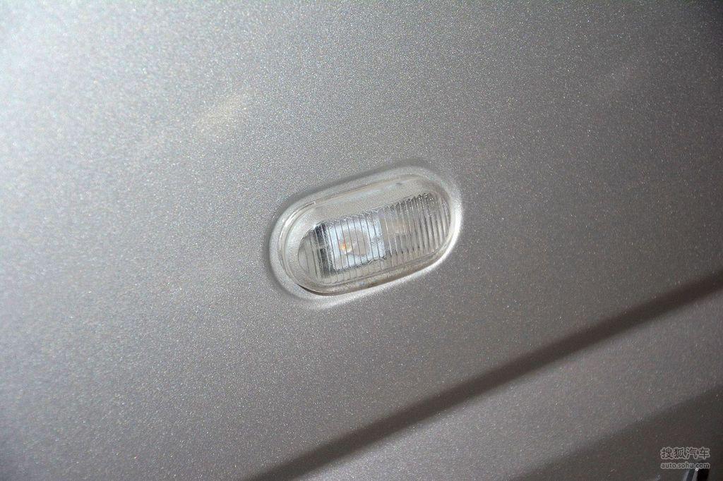 2015款五菱宏光V 1.5L实用型高清图片