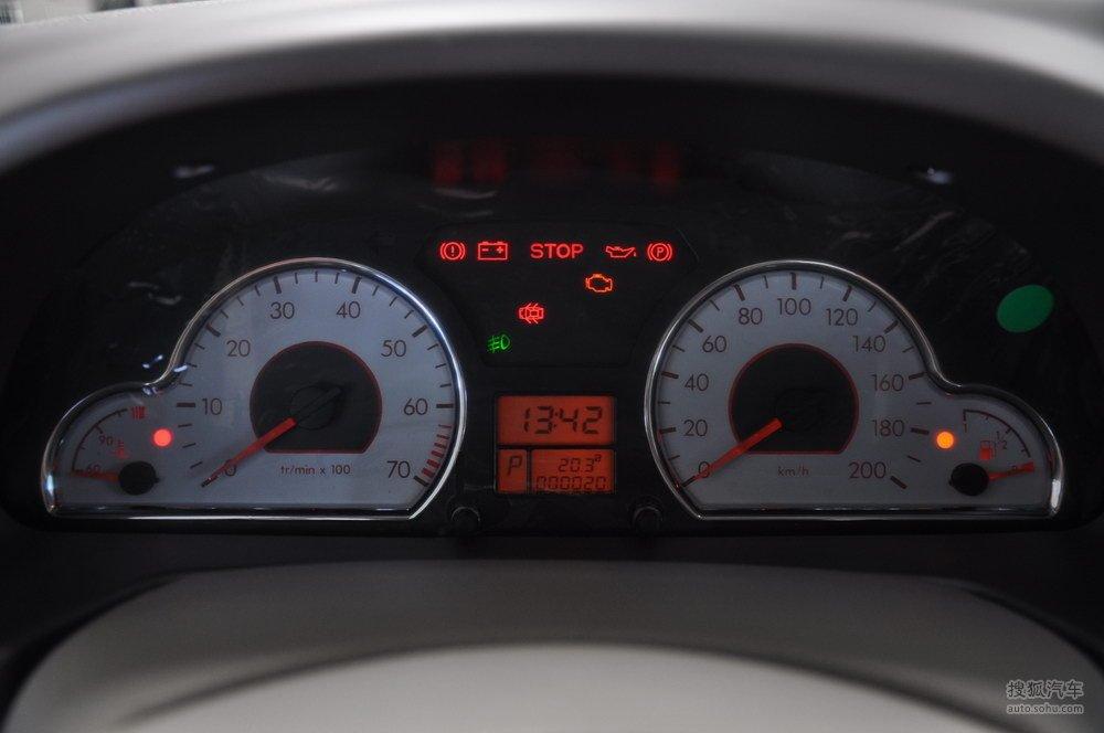 2011款东风雪铁龙爱丽舍 1.6l自动科技型   仪表板