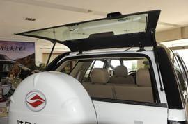 2010款陆风X6 2.0L超值版实拍