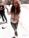 上海车展美模展前自拍照曝光