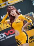 韩国性感女郎身材丰满清纯可人