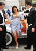 豪车助阵 超模演绎奢华百万美元钻石胸衣