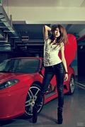 清纯美女驾驭激情烈马 法拉利F430