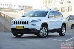 Jeep自由光订金2万年后提车 展车已到店!