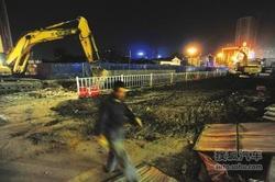 上跨下穿工程:雁滩桥十字北口封闭施工!