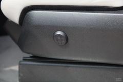 奔驰G级G500座椅调节图片