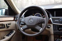 奔驰E级E200 CGI优雅型(进口)方向盘图片