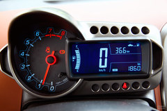 雪佛兰爱唯欧三厢1.6SX 手动仪表板图片