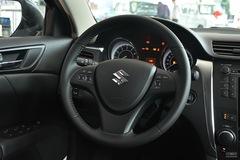 铃木凯泽西2.4L CVT 两驱豪华版方向盘图片