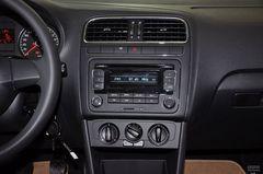 大众Polo两厢1.6L 手动 致尚版中控台图片