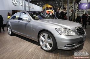 奔驰S600L Grand Edition版 售298.8万元