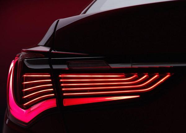 讴歌新款RLX官图发布 预计11月海外上市