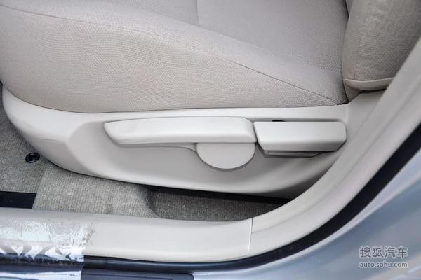 丰田卡罗拉的座椅调节