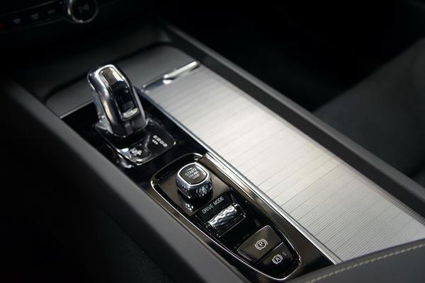 国产沃尔沃全新XC60亮相