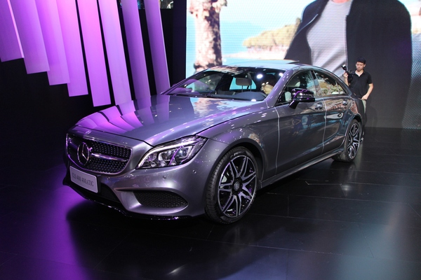 奔驰新款CLS逸彩版上市 售价69.8-98.8万