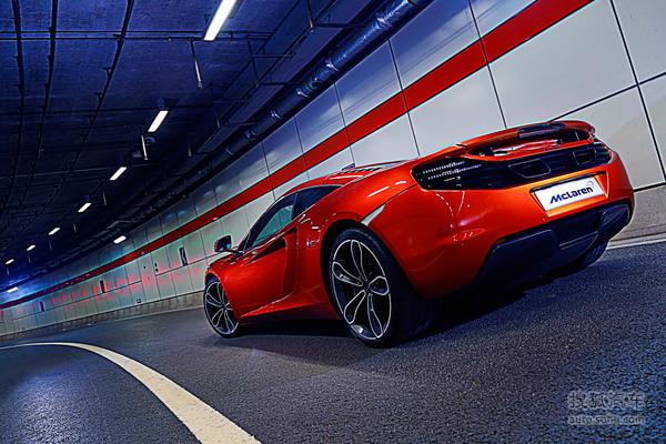 技术流英伦超级跑车 感受迈凯伦12C魅力!