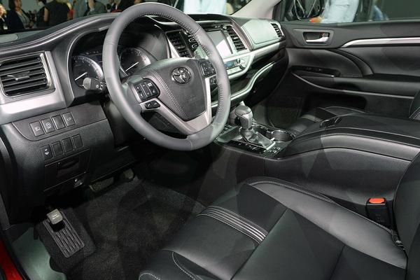 3.5L车型配8AT 纽约车展新款汉兰达亮相