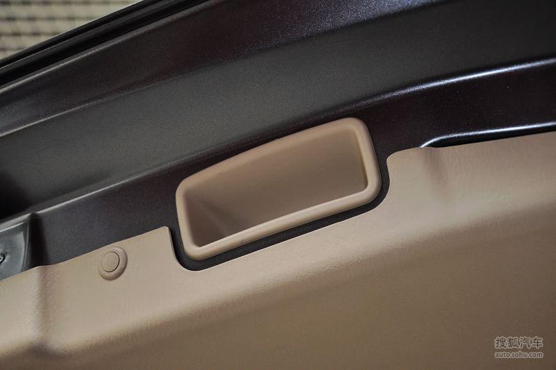 海马普力马 2013款1.8l cvt 7座尊享版高清图片