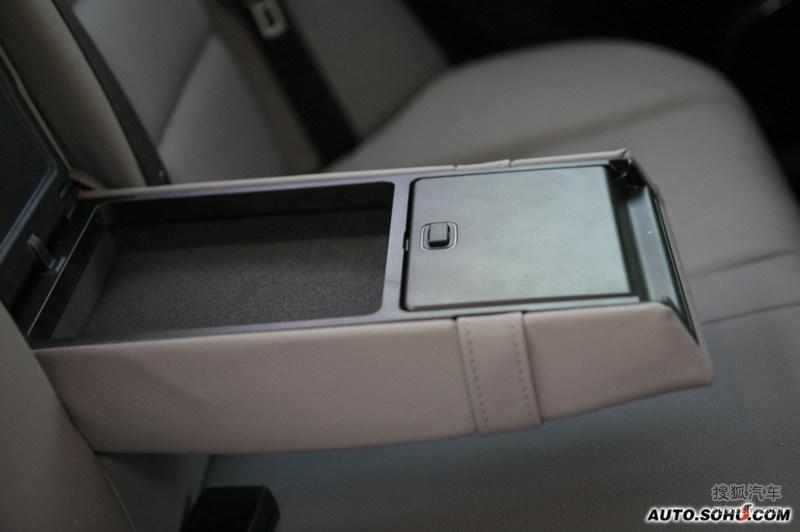 C级2008款C280 时尚型内饰m106823图片 奔驰