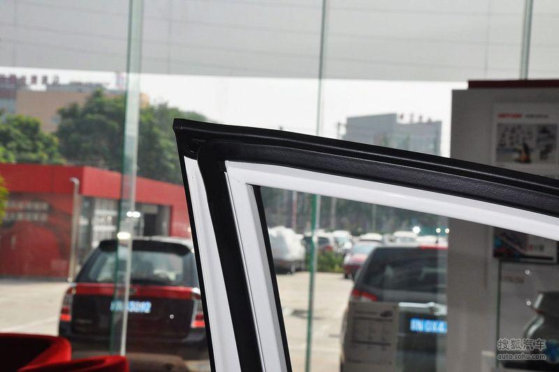 起亚进口起亚新佳乐2011款起亚新佳乐1.6l自动舒适版 高清图片