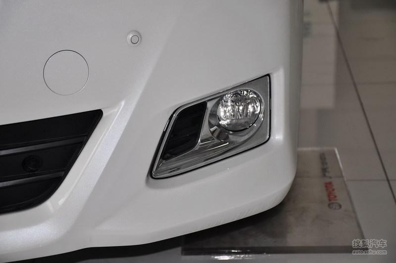 丰田埃尔法 2013款3.5l 豪华版外观高清图片