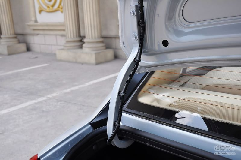 2011款北京现代雅绅特1.4GL 手动舒适型到店实拍 -现代雅绅特