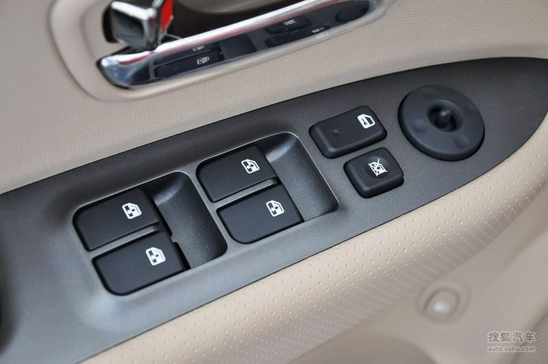 起亚进口起亚新佳乐2011款起亚佳乐 1.6l手动舒适型 高清图片