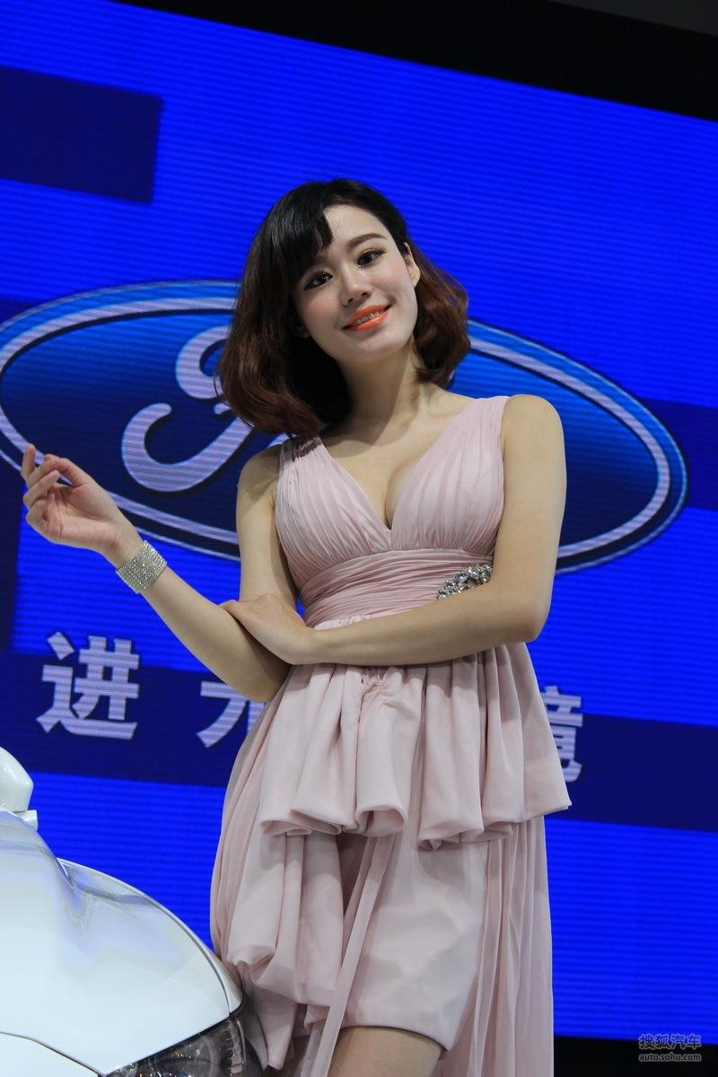【2013青岛国际车展车模风采-福特车模2(2188763)】
