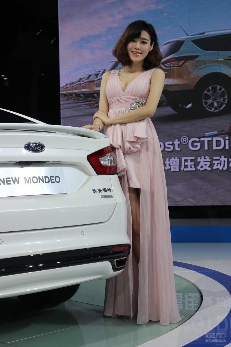 【2013青岛国际车展车模风采-福特车模2(2188767)】