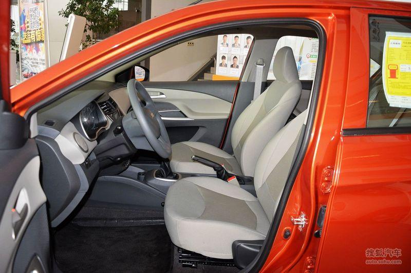 雪佛兰上汽通用赛欧32015款雪佛兰赛欧1.5l手动理想(天窗)版