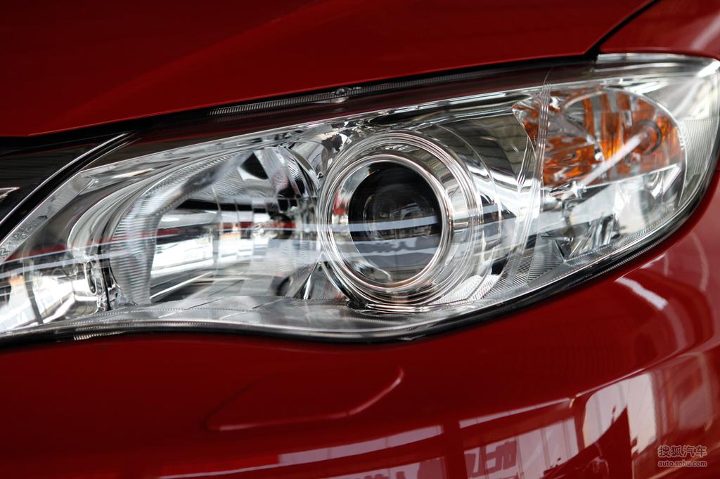 斯巴鲁翼豹两厢2009款2.0r 运动版外观炫彩亮红g528051高高清图片