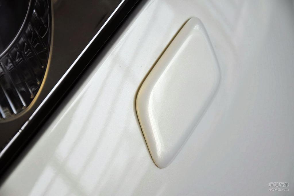 英菲尼迪qx外观莹贝白g596079图片 图库 高清图片