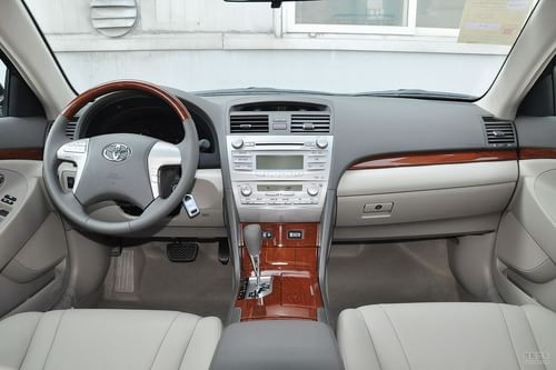 2013款丰田凯美瑞经典200G豪华型