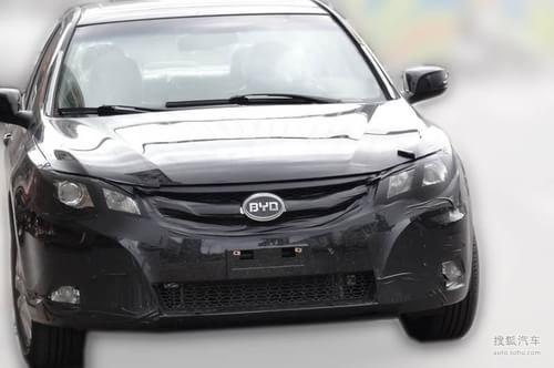 比亚迪L6轻伪谍照曝光 预计北京车展首发