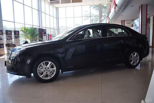 2012款奔腾B90 2.3L自动豪华型