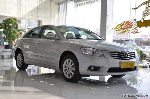 2010款丰田凯美瑞240G豪华版