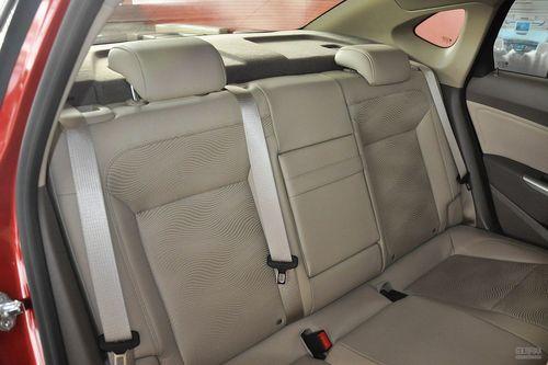 2013款别克英朗GT 1.6L自动时尚版