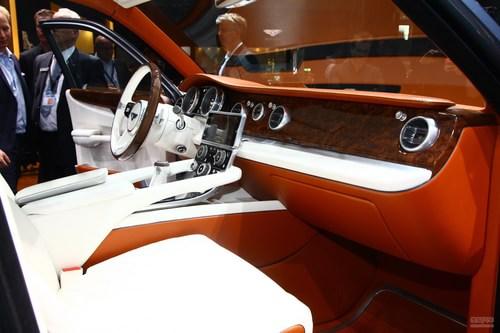 宾利EXP 9 F概念车日内瓦车展实拍