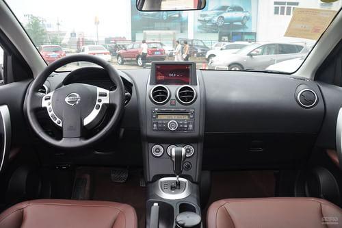2013款日产逍客2.0L CVT两驱炫版