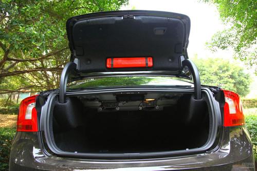 沃尔沃 S60 实拍 底盘/动力 图片