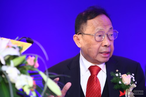 电动汽车产业发展:陈清泉发言