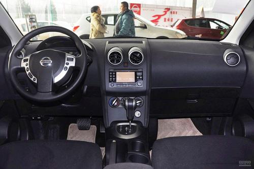 2012款日产逍客2.0XL 火 MT两驱