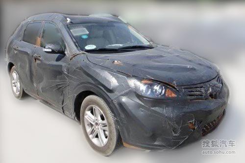 广汽传祺SUV车型X20的测试车谍照