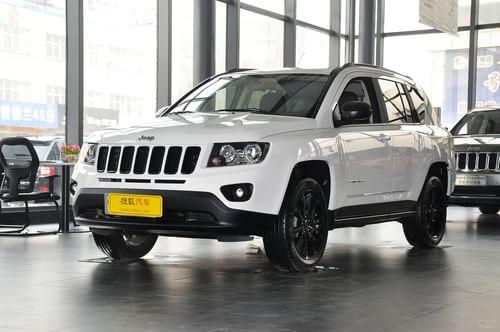 2013款Jeep指南者2.0L炫黑豪华版