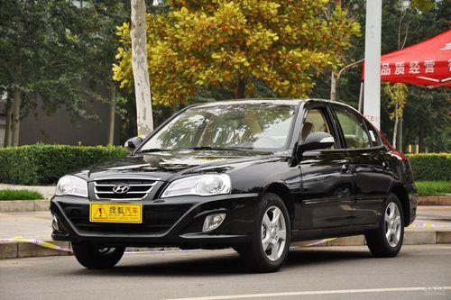 2011款北京现代伊兰特1.6L手动舒适天窗型