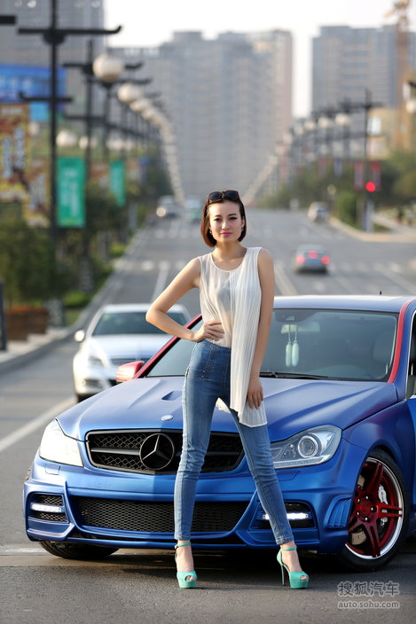 【摩登时尚女郎 知性美的霸气 2341851 】 美女车模图 搜狐汽车