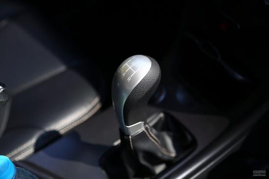 汽车档位图片 汽车自动挡档位介绍 自动挡汽车档位介(550x367,20k