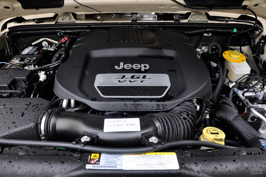 Jeep吉普 牧马人两门版 实拍 底盘/动力 图片