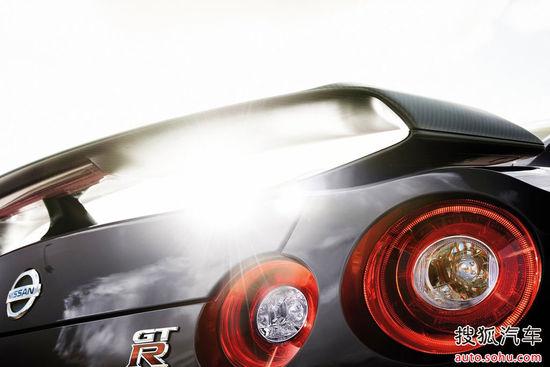 日产 GT-R 壁纸 官方 图片