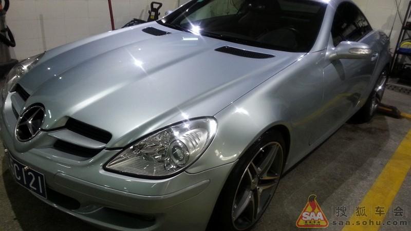奔驰跑车 slk350 银色红内 高清图片